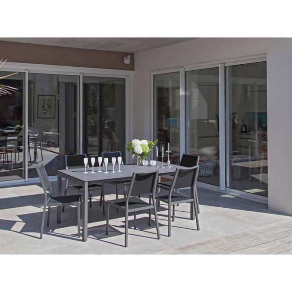 Salon de jardin Soto 180 grise + 6 chaises Florence noires Alizé