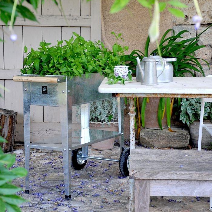 Carr potager sur lev sur roues herstera argent raviday jardin for Carre potager pour balcon