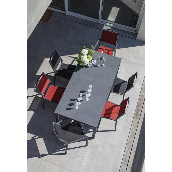Salon de jardin Soto 180 grise + 6 fauteuils Florence rouges Alizé ...