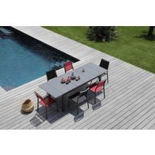 Salon de jardin Tahaa 180/240 grise + 6 chaises Florence noires Alizé