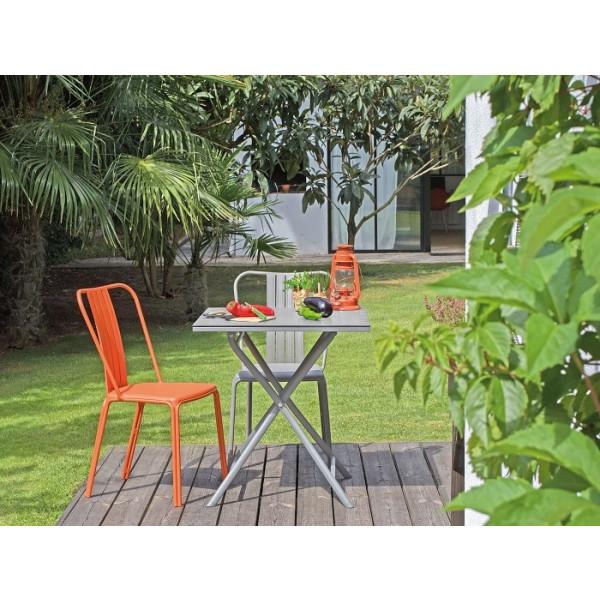 Salon de jardin Azuro 70x70 Taupe + 2 Chaises Azuro PROLOISIRS (1 Taupe / 1  Orange)