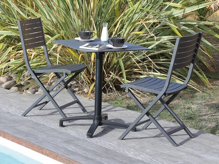 Ambiance salon de jardin table gueridon proloisir basculant
