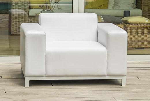 fauteuil du salon de détente de jardin Paris Garden Dubaï